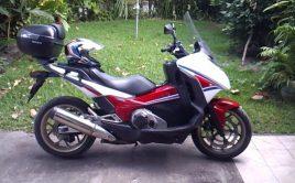 Honda intégra 750